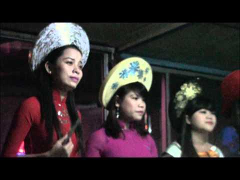 NGHE CA HUẾ TRÊN SÔNG HƯƠNG - Nón bài thơ xứ Huế
