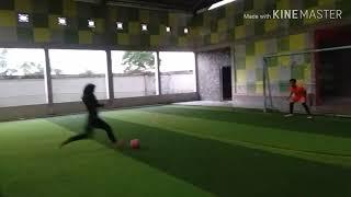 Milih pacar ketimbang futsal Omejiii