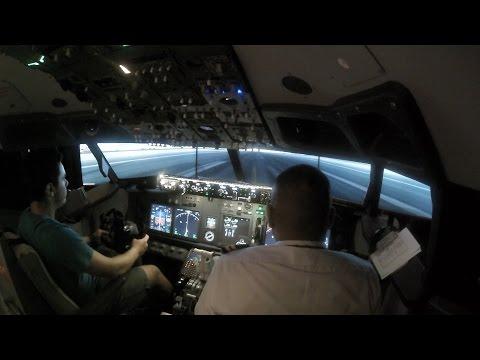 Boeing 737-800 Flight Simulator Experience - Dubai