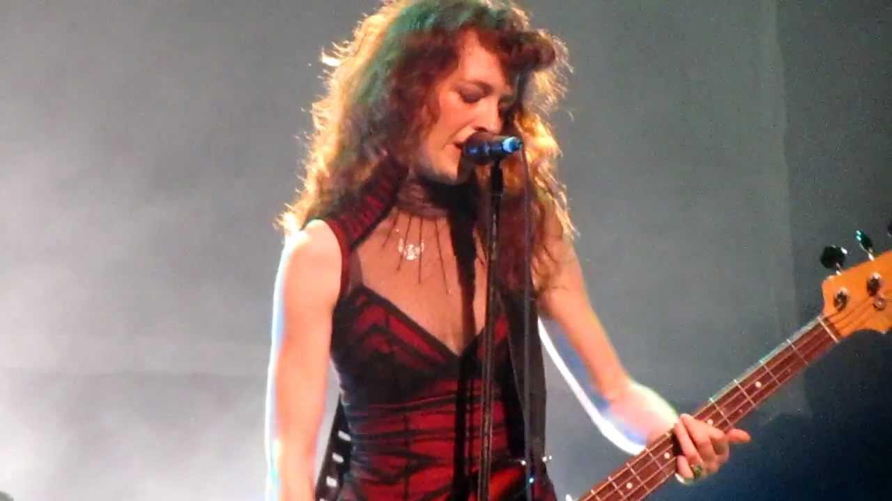 Melissa Auf der Maur nude (92 photos), Ass, Cleavage, Twitter, legs 2006