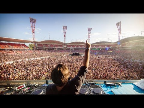Top 10 Biggest Music Festivals In The World 2017 || Pastimers