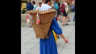 Бабка с марионетками, Зальцбург