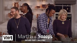 Wiz Khalifa & Seth Rogen Make Delicious Fried Chicken | Martha & Snoop's Potluck Dinner Party