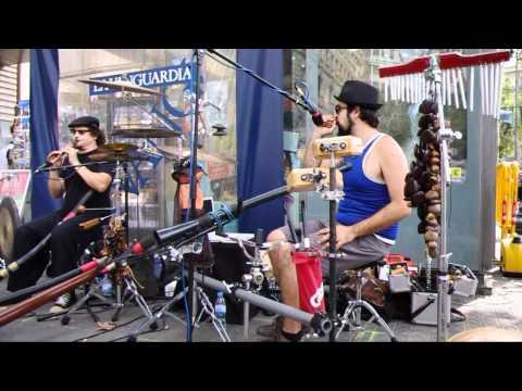 MAB : Minimal Acoustic Band
