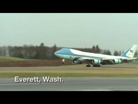 President Obama tours 787 Dreamliner at Boeing factory