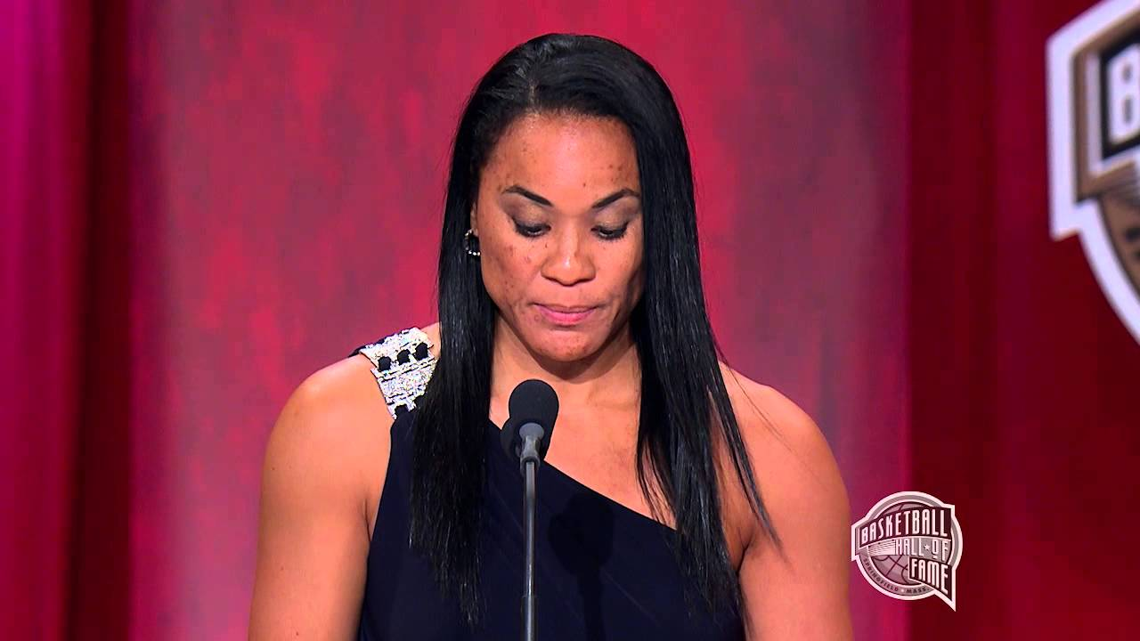 Dawn Staley's Basketball Hall of Fame Enshrinement Speech ...