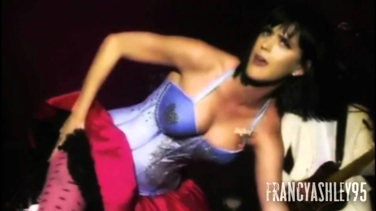 Katy Perry Sexy Dancing - Youtube-3563