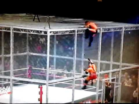 WWE Hell In A Cell 2012 Cm Punk vs Ryback p-3
