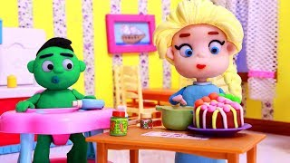 Elsa cook a cake for baby Hulk 💕 Superhero Play Doh Stop motion videos for kids
