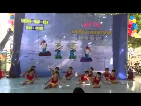 Con cào cào-mầm non Bình Minh