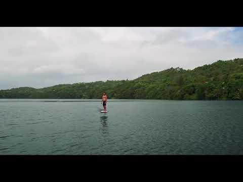 Lift foil rental - Lift eFoil on a lake