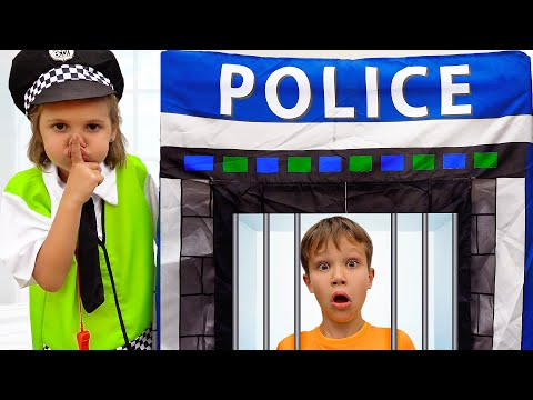 Katy And Max Retend Play Police Officer