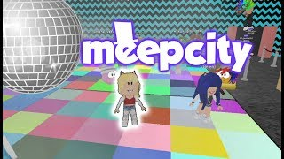 We SNEAK into a senior party at MEEPCITY by Roblox 😊