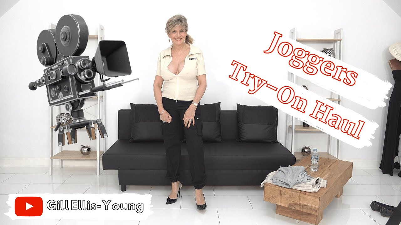 Gill Ellis-Young – Joggers Try-On Haul // For the busy mum and still with plenty of cleavage!
