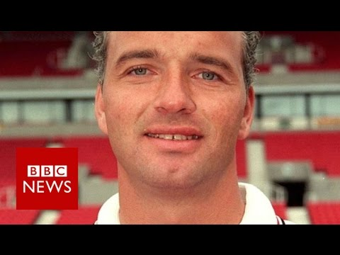 Football abuse: Paul Stewart's story - BBC News