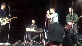 coldplay chris band introduction melbourne 10122016