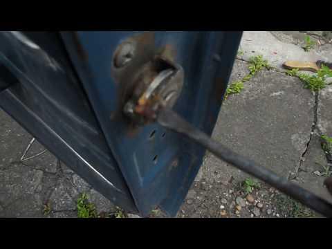 плохо закрываются двери в жигулях - что делать