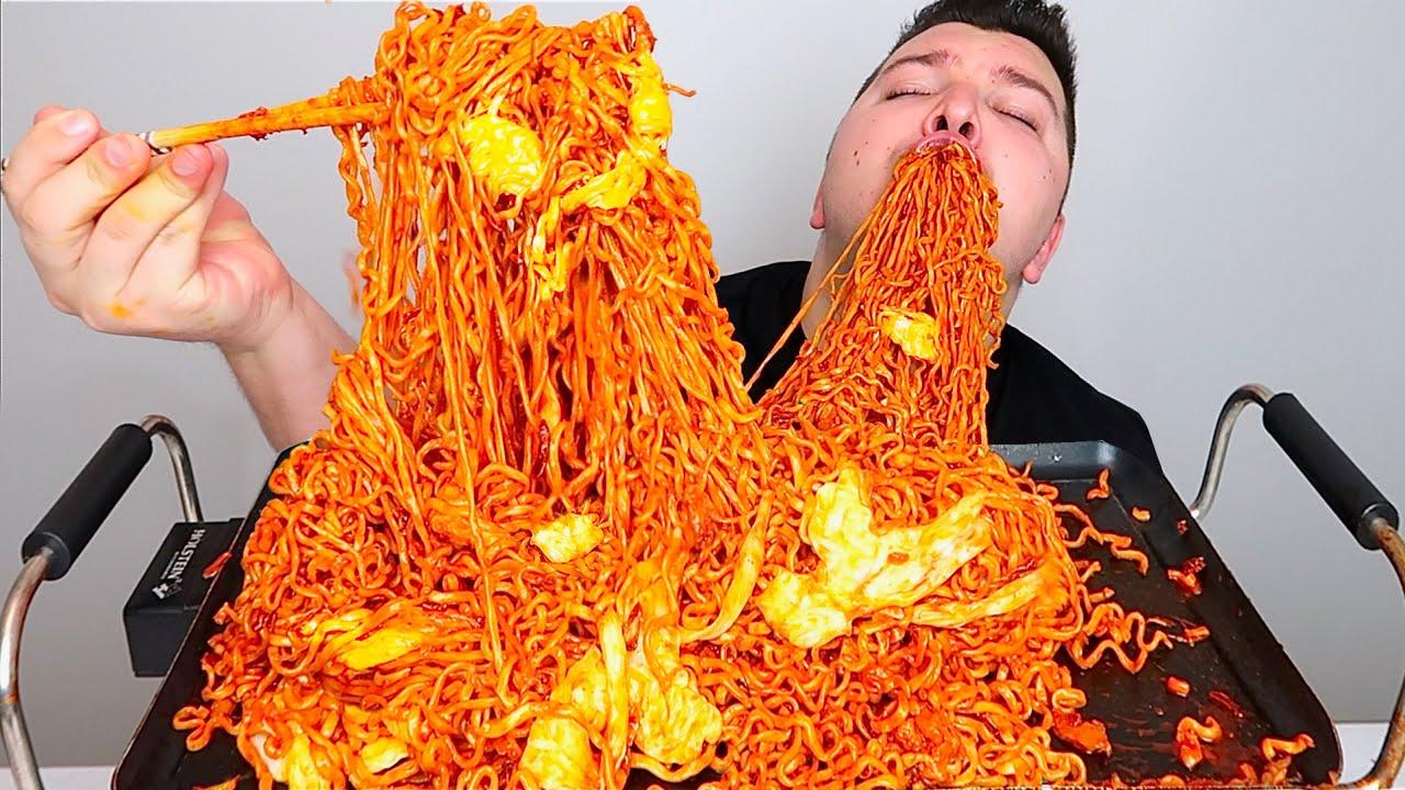Extra Cheesy Spicy Kimchi Noodles • MUKBANG