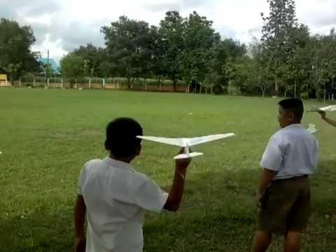 เครื่องบินร่อน โรงเรียนบ้านอีเลิศ สพป.พช.2