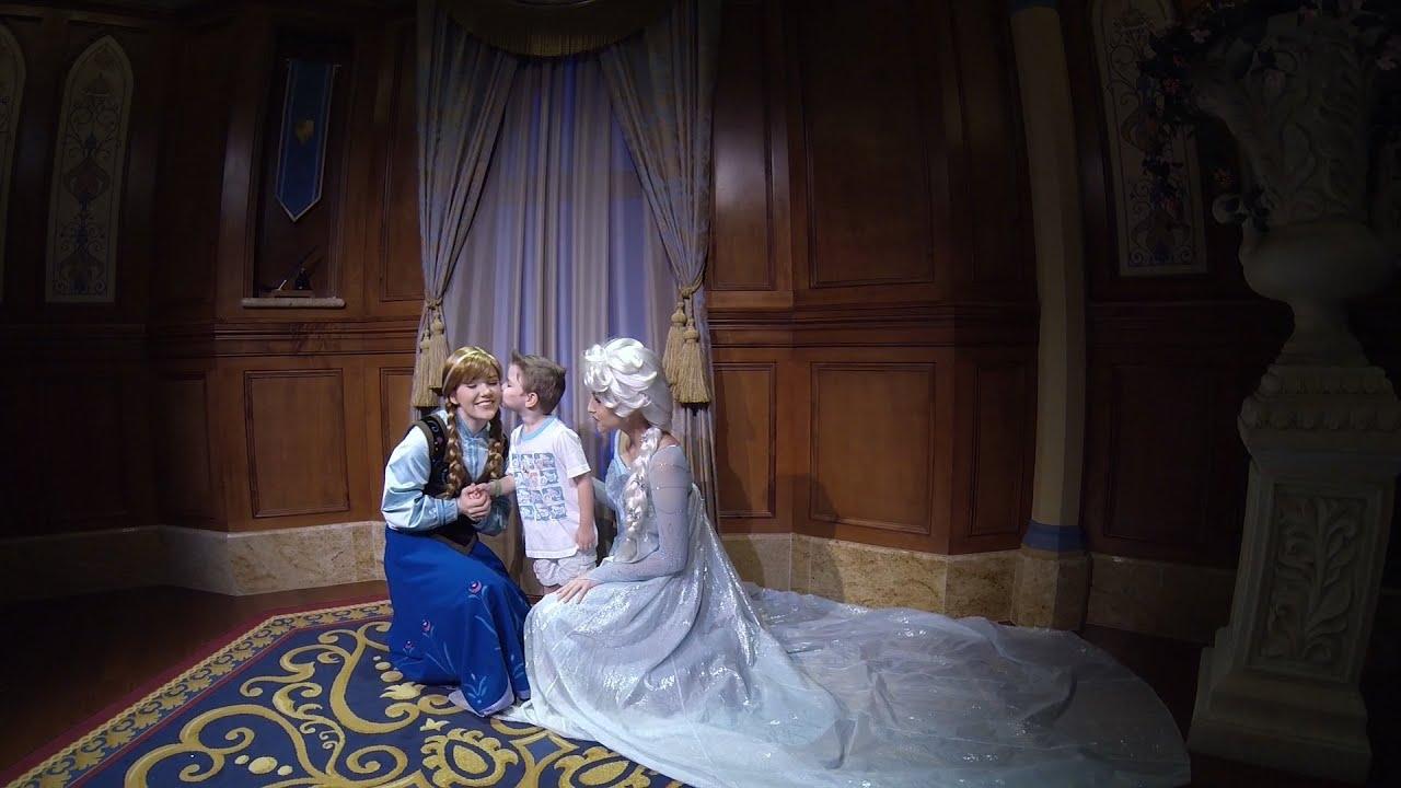 Carson At The Anna And Elsa Frozen Meet And Greet At Magic