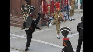 वाघा बॉर्डर पर ऐसे भिड़े भारत-पाकिस्तान Beating the retreat @ Wagah Border on Republic Day