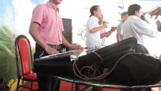 Đàn Organ 5 Anh Em Trên Một Chiếc Xe Tăng