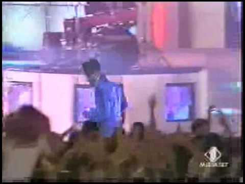 "Mark Morrison Performing ""Return of the Mack"" in Italy"