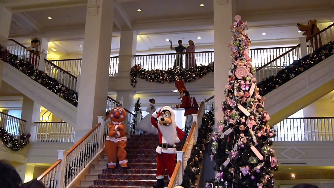 L 39 animation de no l au disneyland hotel disneyland paris - Magasin deco noel paris ...