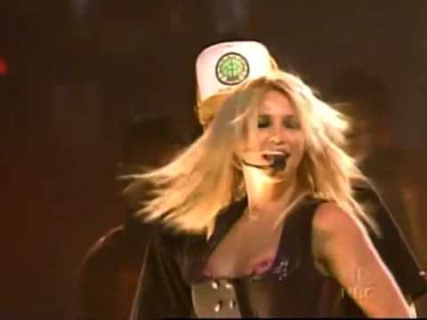 Britney Spears & Pharrell Williams - Boys (Macy's 4th Of July Fireworks Spectacular 2002)