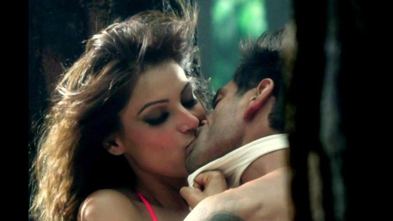 Bipasha Sex Scene