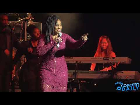 Gladys Knight performs