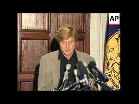 USA: WASHINGTON: ROBERT REDFORD SUPPORTS ENVIRONMENTAL CAUSE