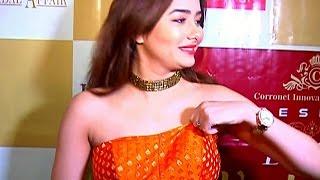 kumkum-bhagya-s-tanu-aka-leena-jumani-caught-adjusting-dress