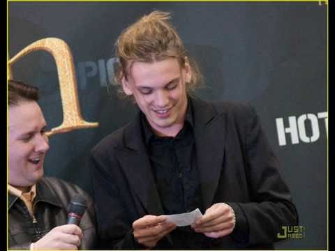 Jamie Campbell Bower -Apologize-