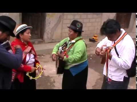Música PICAFLOR desde Cayambe, en estos carnavales.