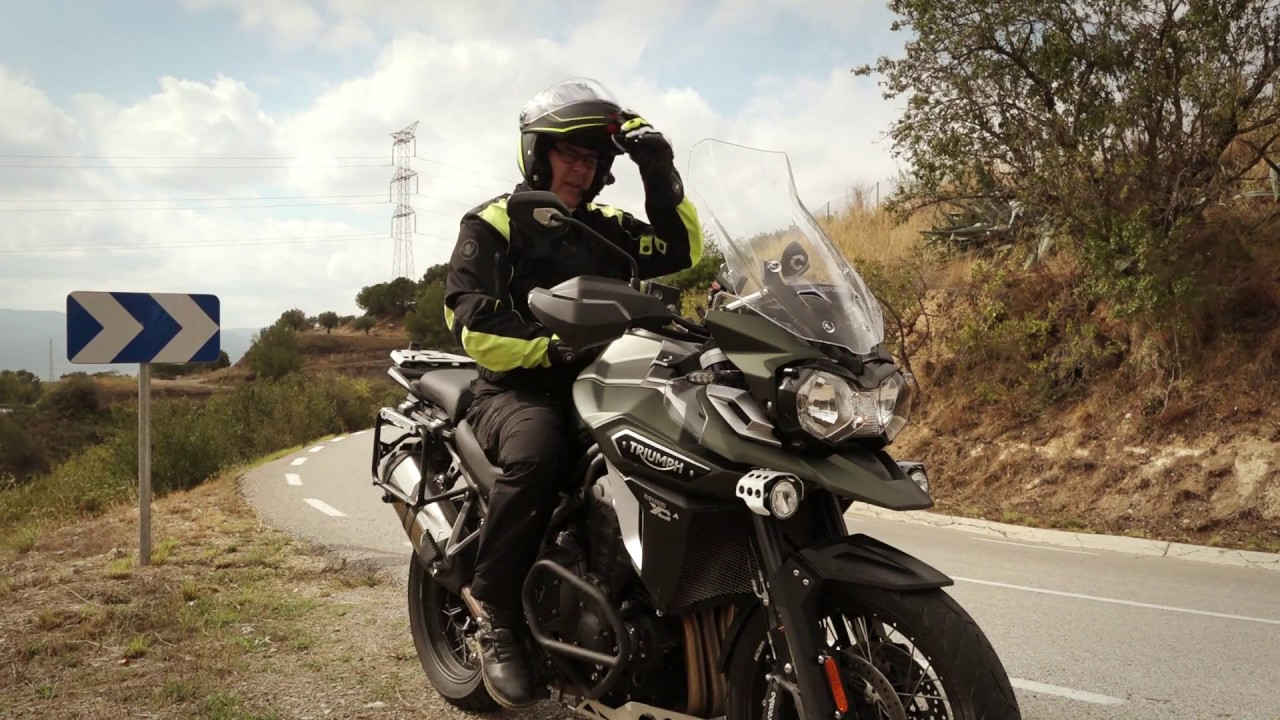 motosx1000 : test triumph tiger explorer 1200 xca - youtube