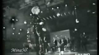"""Mina canta """"Mellow yellow"""" canzone di Donovan del 1967. Si trova in..."""