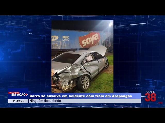 CARRO SE ENVOLVE EM ACIDENTE COM TREM NO CENTRO DE ARAPONGAS