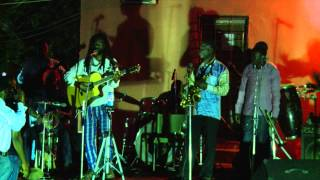 Beautiful Nubia - Tables Turn (Live, 2013)