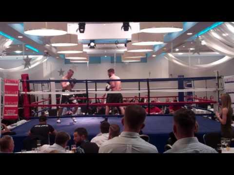 Tom Stokes vs. Cristian HoskinGomez