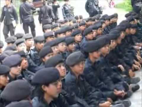 ฝึกทหารพรานหญิงใหม่ปี3/53.mp4