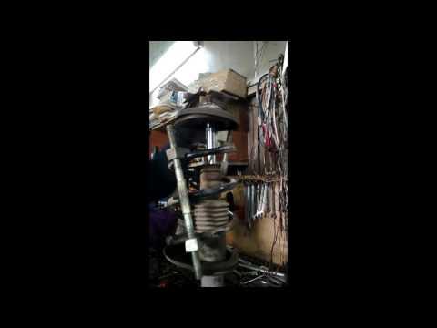 Лада Ларгус, стук в передней подвеске.