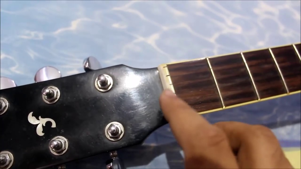 change acoustic guitar strings like a pro easily at home youtube. Black Bedroom Furniture Sets. Home Design Ideas