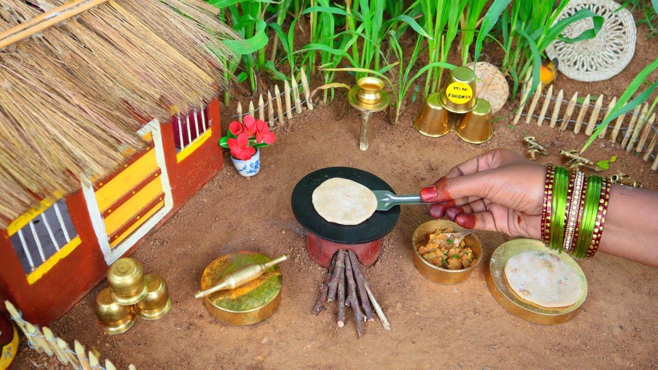 Miniature Aloo Paratha | Aloo Paratha Recipe | Instant Tomato Pickle | Mini Foodkey