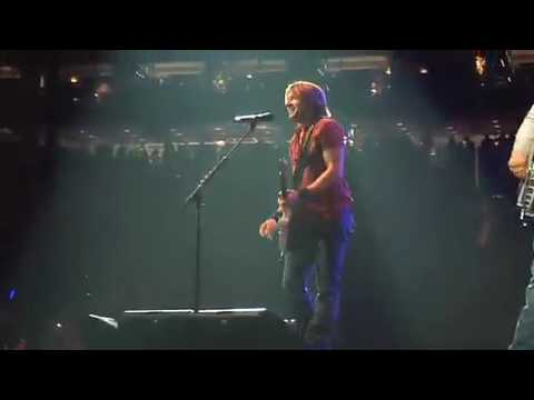 Keith Urban - Who Wouldn't Wanna Be Me - Live