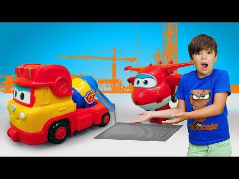 Новые истории про машинки. Супер крылья ремонтируют дорогу. Видео игры для мальчиков.