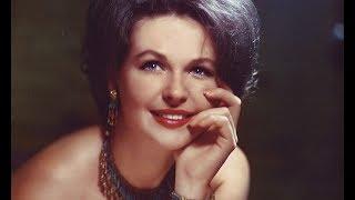 Советская актриса Наталья Фатеева отказалась от семьи ради бездомных кошек