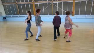 Danse en ligne valse St AVertin (dance line un homme debout)