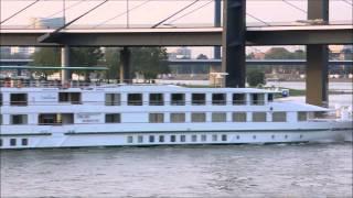 Hotelschiff Gerard Schmitter auf dem Rhein in Düsseldorf