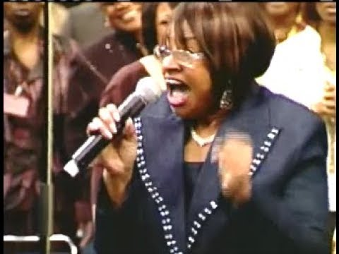 Gospel Legend Twinkie Clark Taking Us To Church COGIC AIM!